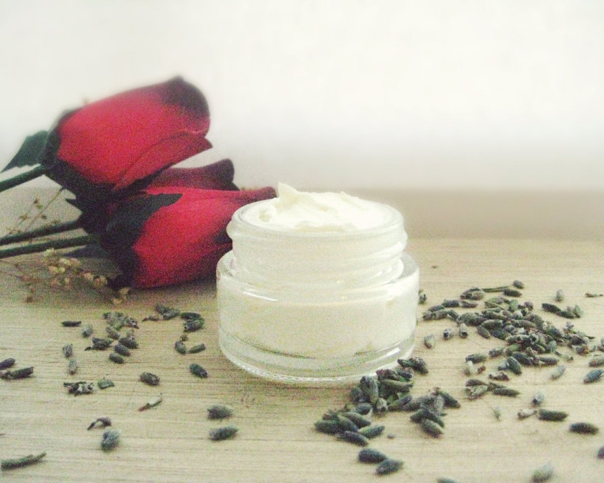 rosehip-eye-cream